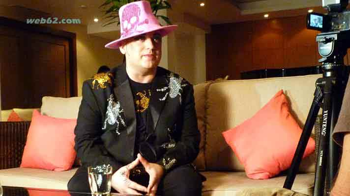 photo Boy George in Thailand